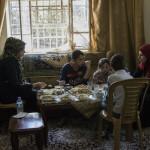 Nisreen, la palestina encerrada en Hebrón que busca libertad en sus pinturas